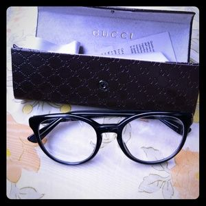 Gucci eye glasses
